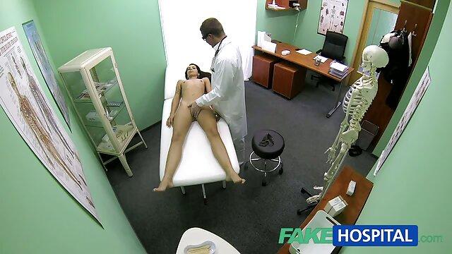 Nyonya fucks dalam mencukur vagina menggunakan kondom pada ayam bokep indo live bigo