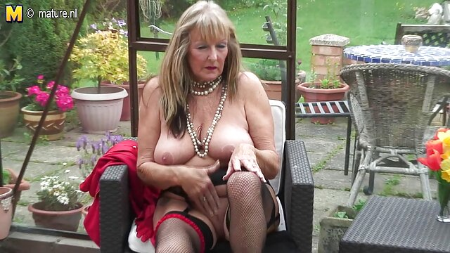 Mia adalah vagina basah kuyup dengan bokep indo colmek live strapless pada pulverize